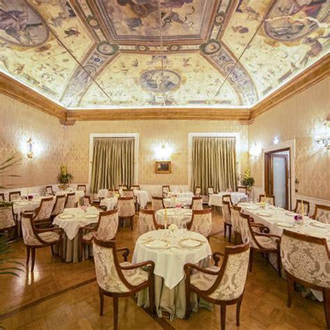 hotel con in bologna hotel di lusso 5 stelle in centro a bologna grand hotel