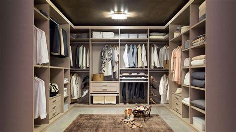 altezza armadio da letto come riempire lo spazio in una da letto grande