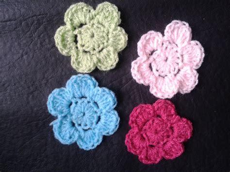 como hacer flores de crochet como hacer flores a crochet muy faciles tejemos youtube