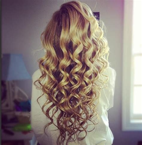 bridesmaid hairstyles useing a curling wand 25 best ideas about curling wand hairstyles on pinterest