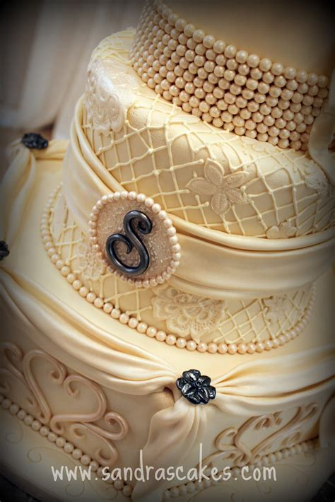 Vintage Wedding Cakes by Stunning Vintage Wedding Cake