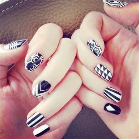 imágenes de uñas negras decoradas u 241 as decoradas con figuras geometricas