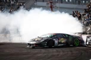 Drift Lamborghini This Lamborghini Vs Lexus Lfa Supercar Drift Battle Is Real