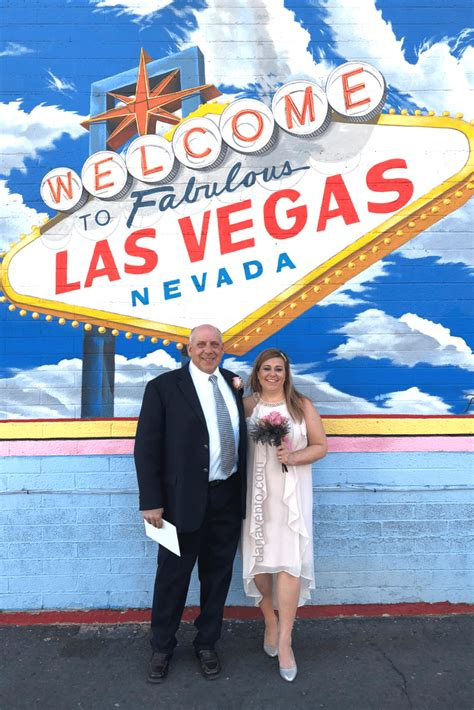 Renew Wedding Vows Vegas by Best Vow Renewal In Vegas From Ceremony To Elvis