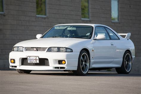 Drive A Nissan Gtr by 1995 Nissan Skyline Gt R R33 V Spec Reserved Right Drive