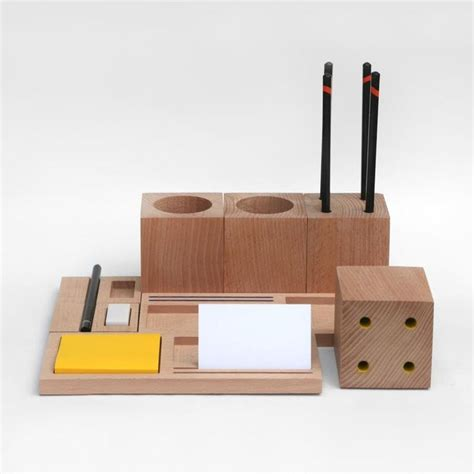 Office Desk Tidy The 25 Best Ideas About Desk Tidy On Pinterest Stationary Storage Wooden Desk And Cable