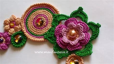 fiori all uncinetto per collane come fare una collana uncinetto con cristalli e perle