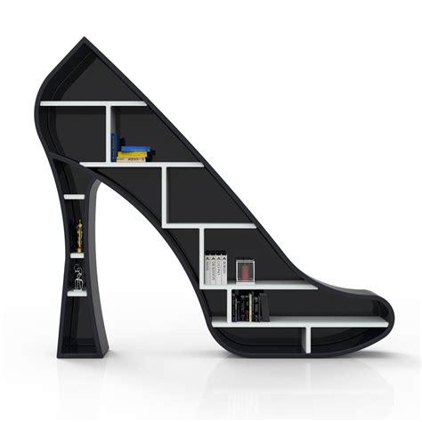 lade di design da terra libreria design da terra a forma di scarpa con il