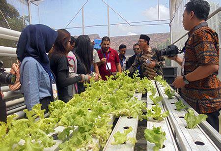Buku Metodologi Riset Sutrisno Hadi Kh mahasiswa mancanegara belajar pertanian dari pesantren di