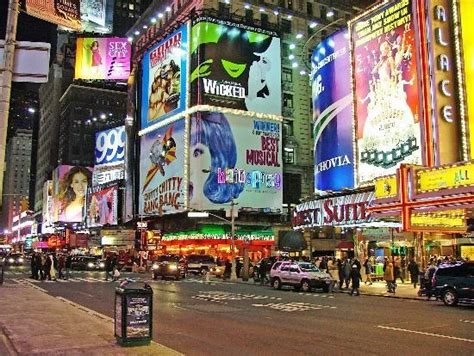 Book Review The In Times Square By Paullina Simons by Times Square New York City 2018 All You Need To