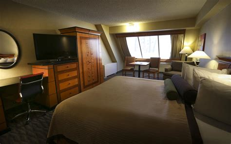 luxor hotel room luxor hotel las vegas 3
