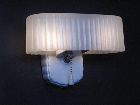 50 S Bathroom Light Fixtures Lighting Designs by 71 Best Period Bathroom The 40s And 50s Images On Bathroom Ideas