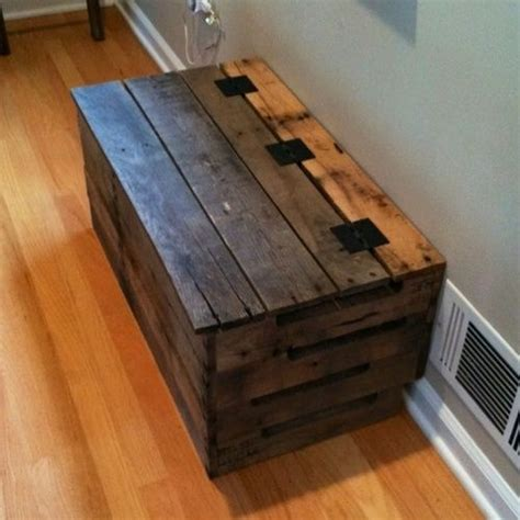 how to make a storage chest from pallets woodworking projects plans