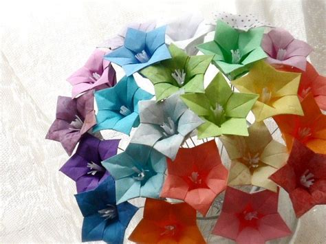 Make Origami Flower Bouquet - made oh so ombre origami paper flower bouquet by