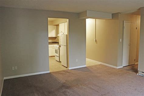 Backpage Room For Rent by 3540 St Apartment For Rent L132791