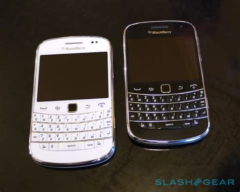 Original Casing Blackberry Dakota 9900 White Edition blackberry bold white 9900