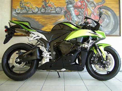 cbr bike green 2009 honda cbr600rr photo by bikefinder co za