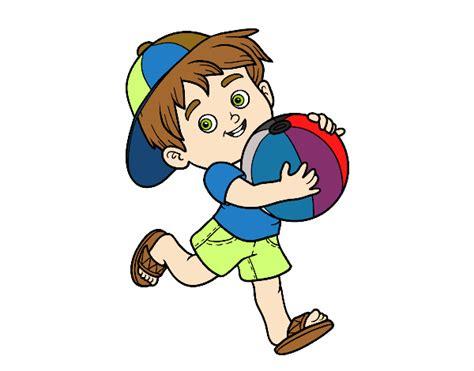 imagenes niños traviesos dibujo de ni 241 o jugando con bal 243 n de playa pintado por en