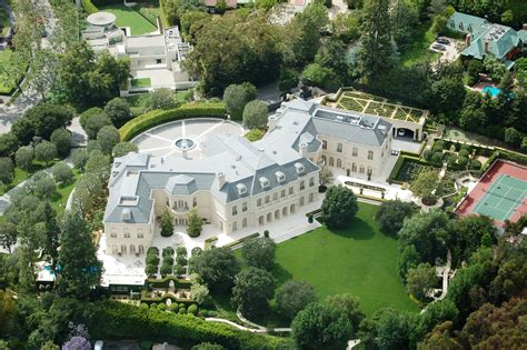 Aaron Spelling S Mansion Listed For 150 Million This Time It S Official Extravaganzi