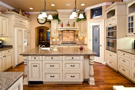 paint color for kitchen with antique white cabinets home