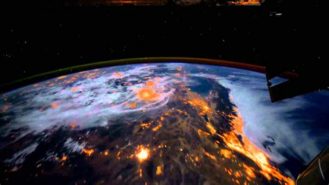 animated earth wallpaper windows 7 download dreamscene animated wallpaper earth view from the iss