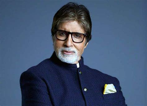 recently nagraj popatrao manjule has shared his memorable moment with amitabh bachchan to kickstart jhund post thugs of