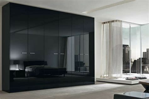 Black Bedroom Wardrobe Black Wardrobe Gives The Bedroom A Touch Fresh