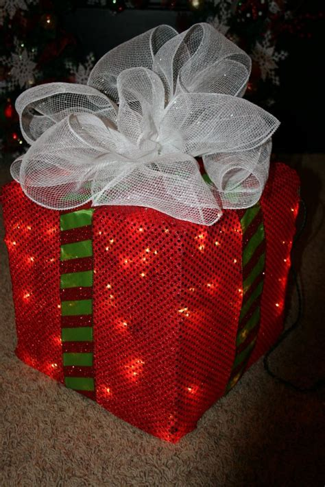 how to make lighted outdoor decorations how to make a lighted box decoration trendy