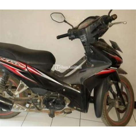 Jual Motor Honda Revo Cw motor honda revo cw tahun 2010 warna hitam second