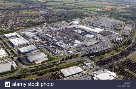 jaguar liverpool halewood aerial view of the jaguar land rover car manufacturing