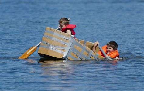 funny boat pics sinking boat funny www pixshark images galleries