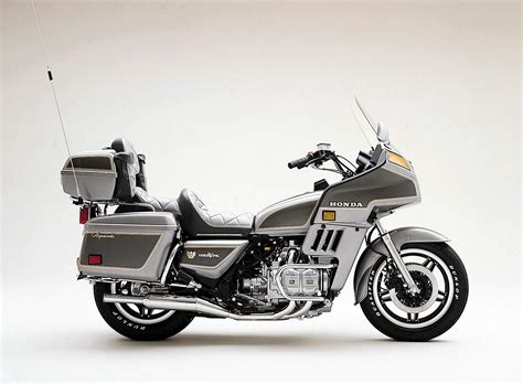 honda gl 1982 honda gl 1100 gold wing pics specs and information