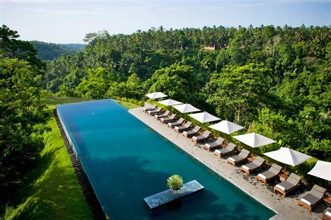infinity pools bali the world s best infinity pools hellomagazine com