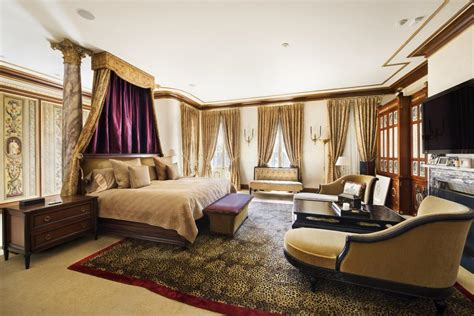 how many bedrooms are in a mansion rent gianni versace s former upper east side mansion for