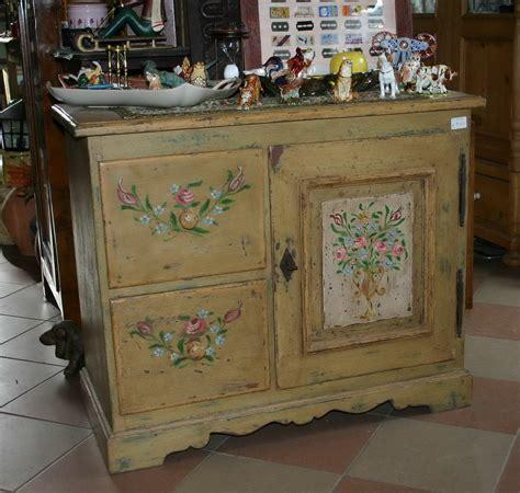mobili tirolesi dipinti mobili dipinti armadi cassettoni madie comodini