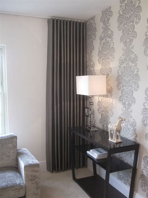 grey wallpaper and curtains love the wall and the curtains to compliment tendine