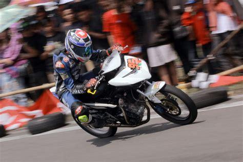 Rumah Kopling 6 Per R15 Byson Mx King kopling sys antarkan sulung giwa juara motoprix wonosari jogja