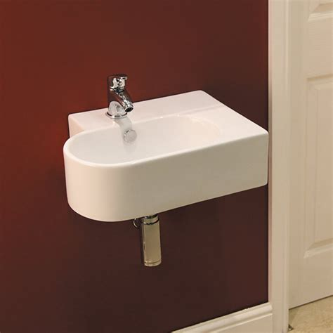 brton wall hung basin