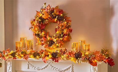 thanksgiving mantel showcase the bold colors and