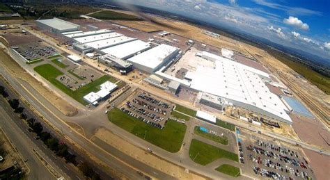 nissan mexico plant nissan inaugurates new vehicle plant in mexico with