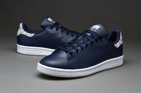 Harga Adidas White Mountaineering adidas stan smith navy femme