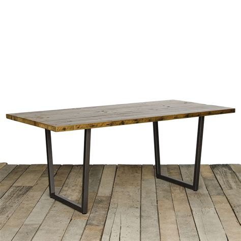 25 best ideas about reclaimed wood tables on brilliant 10 industrial dining room interior design ideas of best 25 industrial dining rooms