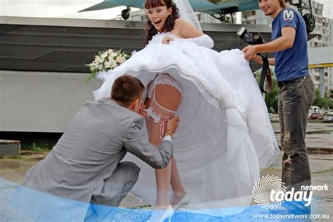 wedding dress malfunction oasis fashion