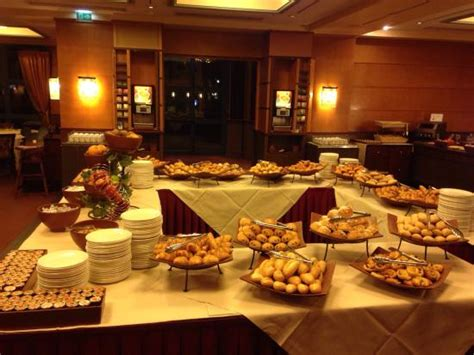 pdj buffet manhattan picture of disney s hotel new york