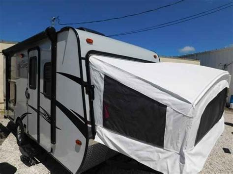 small lightweight travel trailers with bathroom best 25 light travel trailers ideas on pinterest