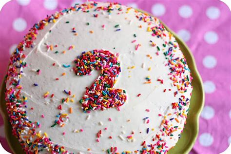 how to decorate a birthday cake at home 20 easy to decorate birthday cakes that even i can t mess