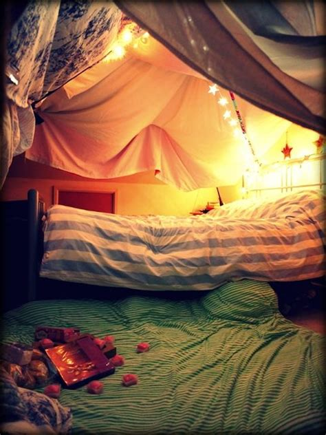 how to make a fort in a bedroom 25 best ideas about blanket forts on pinterest awesome forts forts and sleepover fort