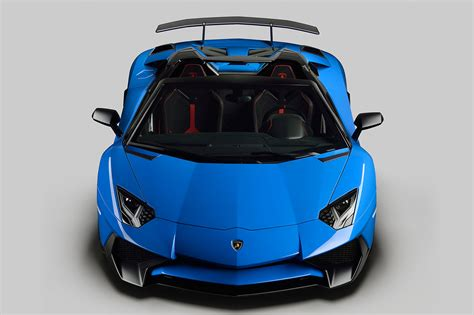 lamborghini aventador sv roadster driving lamborghini aventador lp750 4 sv roadster superspeed car with exceptional driving experience