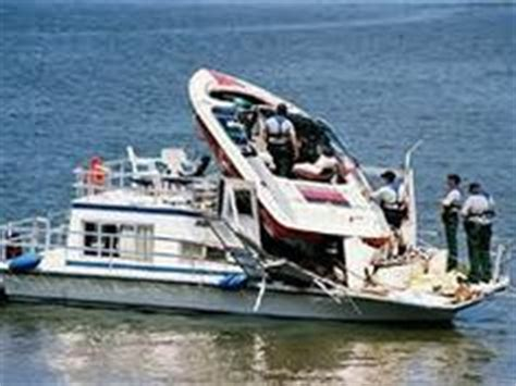 boating accident near me oh sh t on pinterest random pictures funny accidents