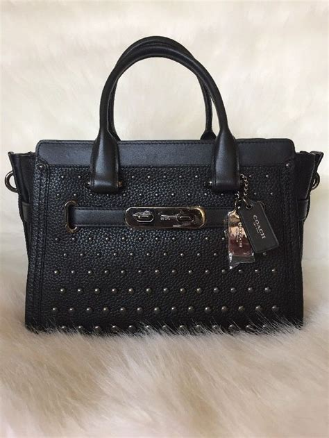 Swagger 27 Ombre coach 57697 swagger 27 ombre rivets black pebble leather 550 black pebbles pebbled leather